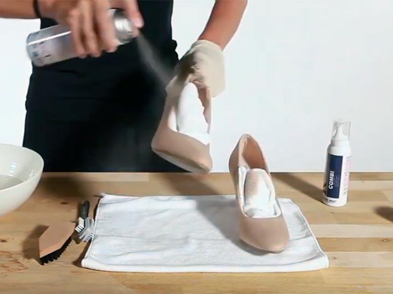 Пропитка обуви спреем