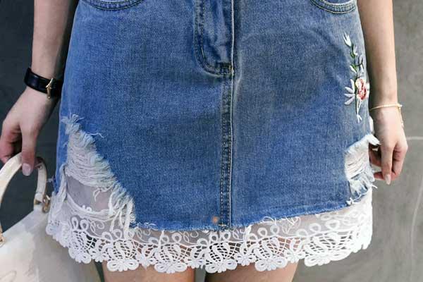 удлинение юбки кружевами